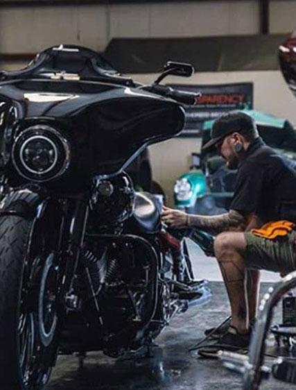 detailing motorcycle